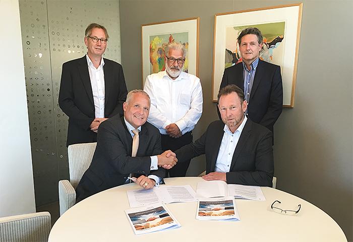 ondertekening contract Croonwolter&dros en Acto Informatisering